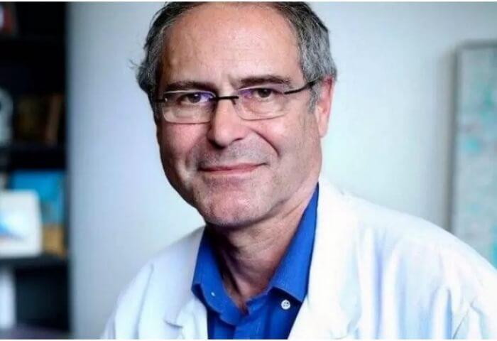 Christian Perronne: «Δεν είναι κίνδυνος οι ανεμβολίαστοι αλλά οι εμβολιασμένοι και αυτοί πρέπει να απομονωθούν»