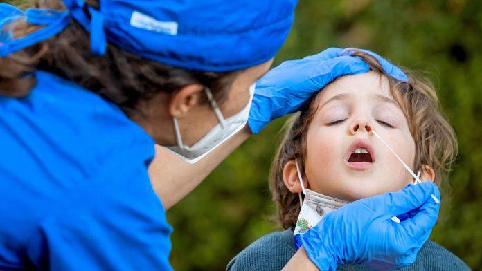 Τα μακροχρόνια συμπτώματα του COVID-19 στα παιδιά είναι σπάνια, επιβεβαιώνει μελέτη